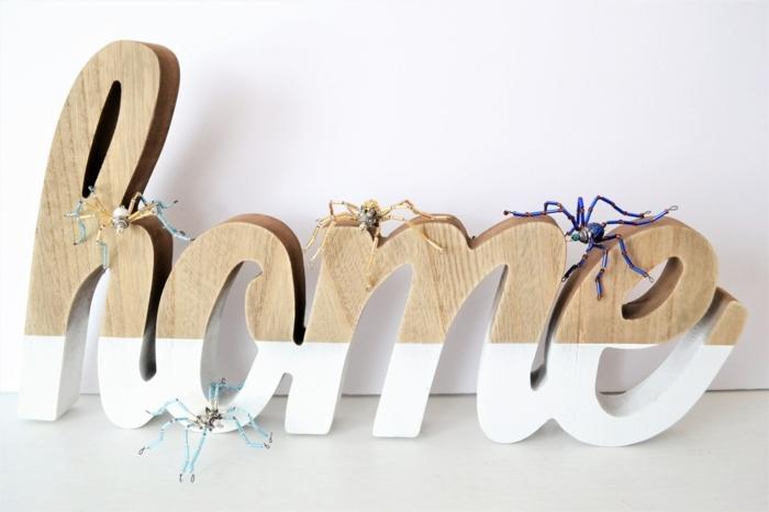 decoración salón para Halloween, adornos pequeños originales en forma de arañas hechos de materiales reciclados