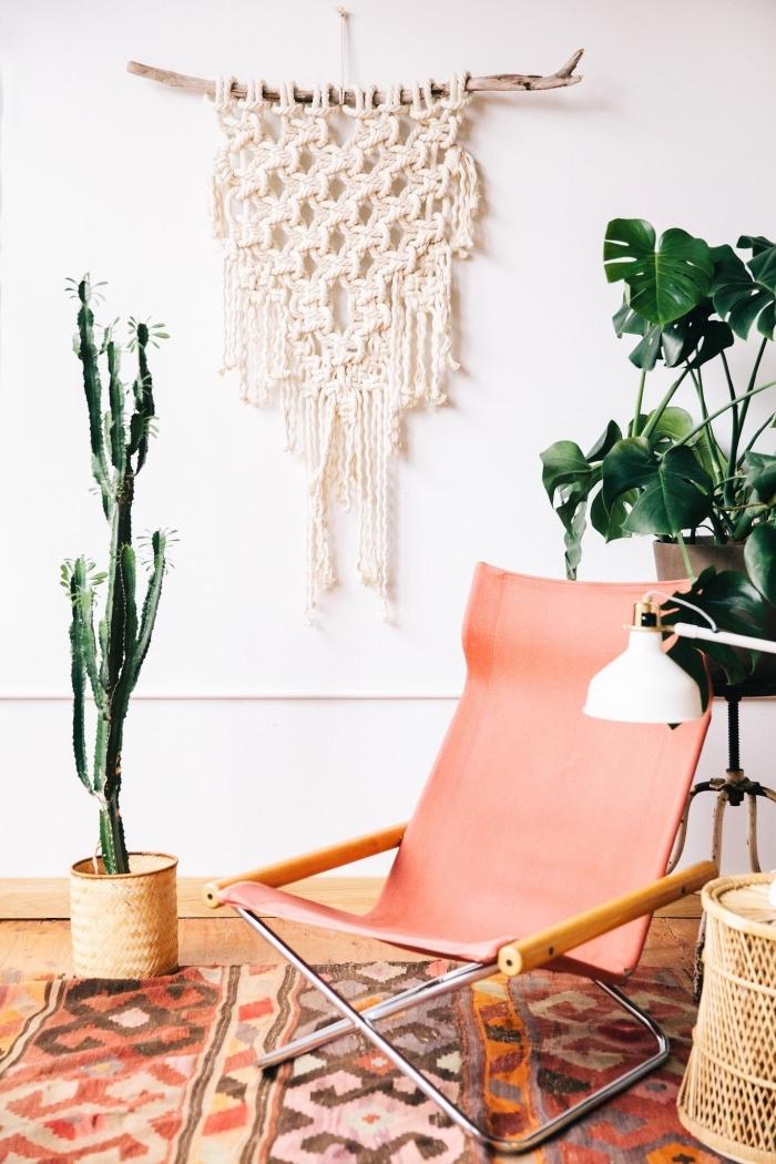 preciosa decoración en estilo boho chic, colgante DIY en la pared, las mejores decoraciones con macrame en bonitas fotos