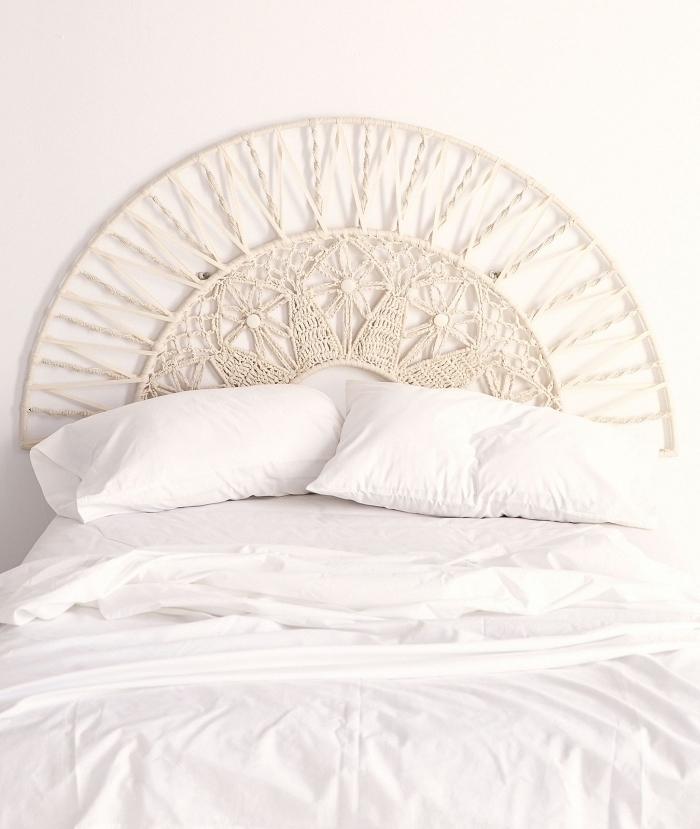 cabecero DIY hecho con macrame, excelentes propuestas de decoracion con macrame para decorar el hogar, fotos decoración dormitorio