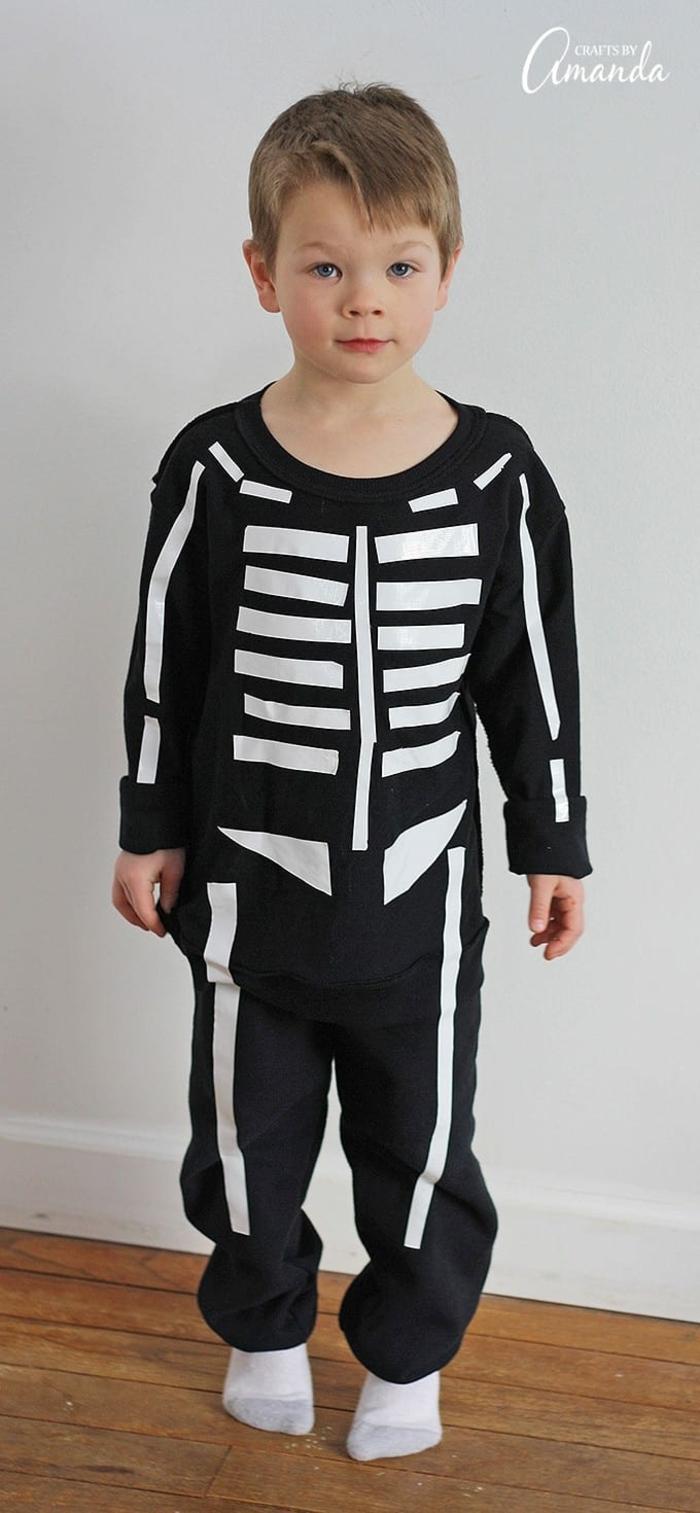 disfraz niño original, ideas de disfraces Halloween, las mejores propuestas de disfraces para una fiesta de Halloween en casa