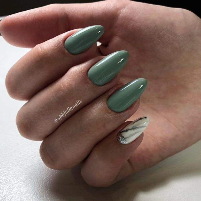 combinaciones de colores modernos otoño invierno 2019 2020, colores bonitos y elegante, manucura en verde apagado, uñas de gel colores
