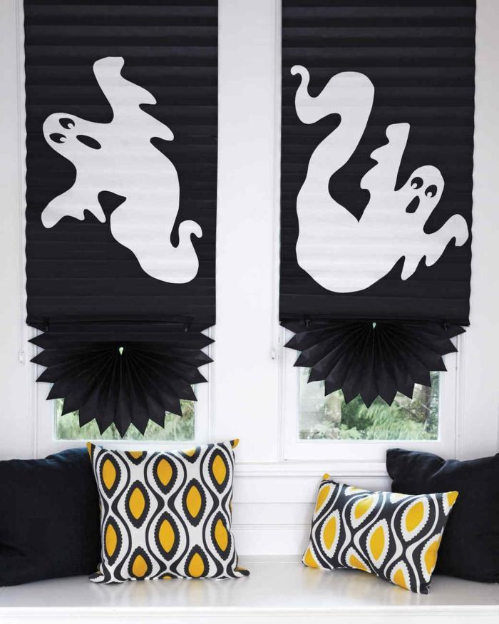 cortinas con dibujos de fantasmas, manualidades halloween originales, fantásticas ideas sobre como decorar tu casa en halloween