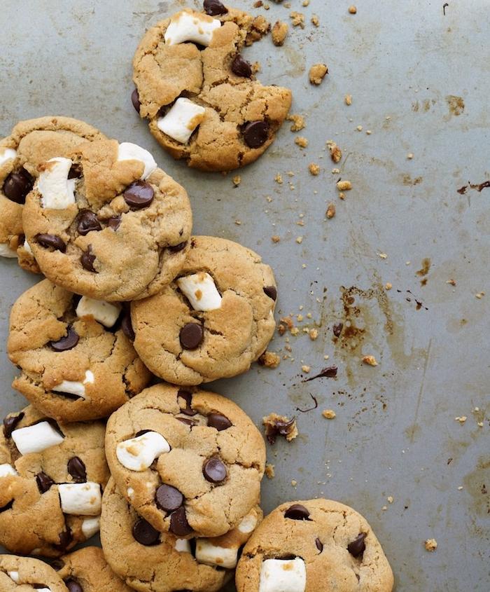 receta de galletas de mantequilla, marshmallow y chispas de chocolate, ideas de galletas al horno, recetas fácieles y rápidas
