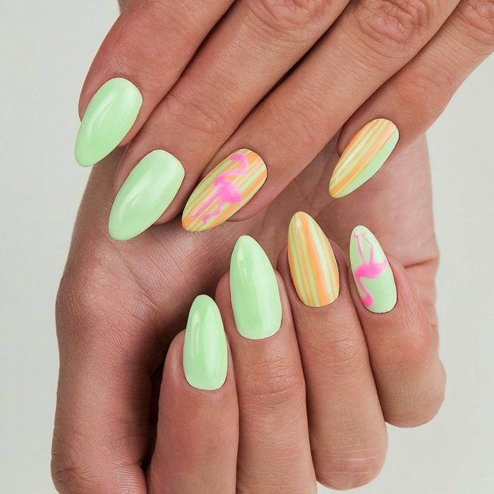 diseños de uñas otoño 2019 en 80 imágenes, uñas largas almendradas pintadas en verde menta, amarillo y dibujos en las uñas