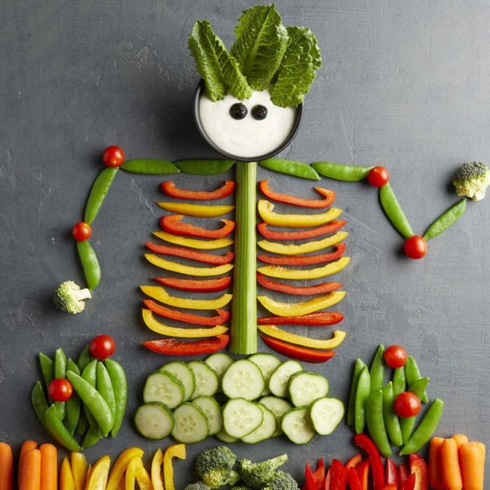 merienda halloween original, esqueleto de vegetales, super originales ideas de comidas saludables y fáciles de hacer