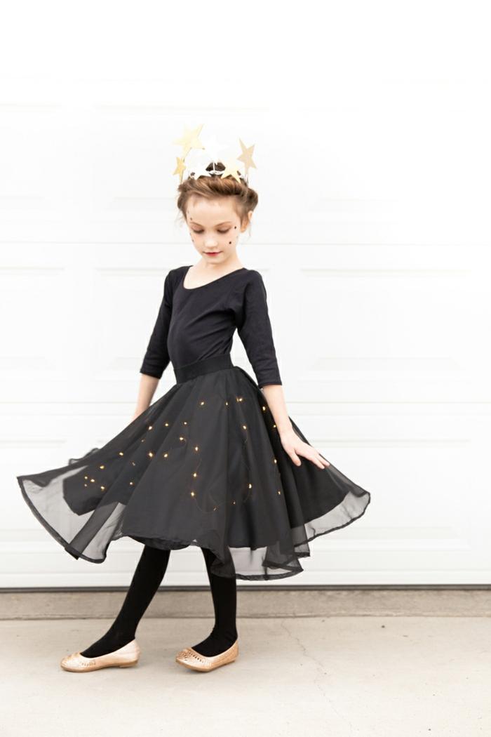 un look completo para halloween, disfrace bruja, originales ideas de disfraces brujas para niños y niñas, fotos de disfraces