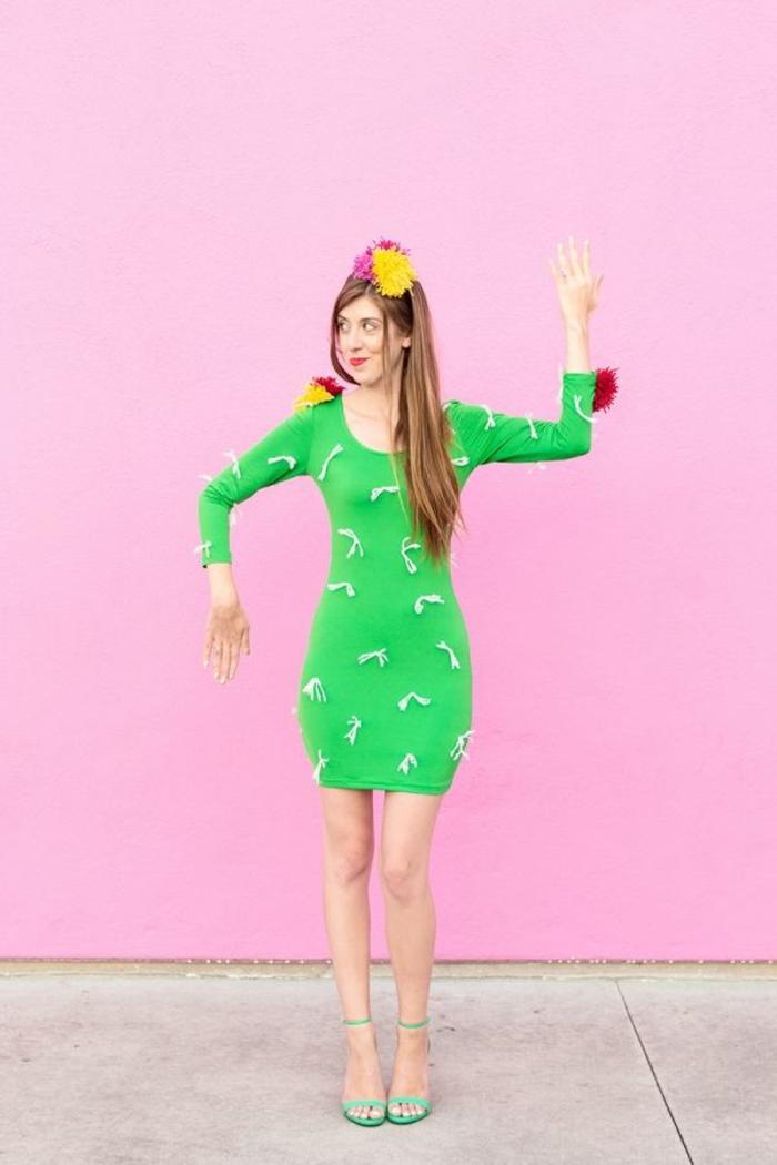 disfraces halloween ideas para mujeres, vestido verde decorado con hilos, disfrace cactus super simpático, ideas de disfraces caseros