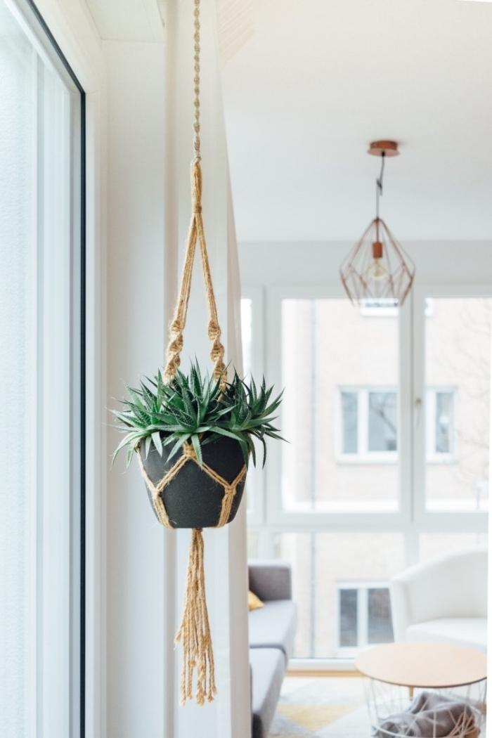 colgante macrame para plantas verdes, las mejores ideas de decoracion salón en imagenes, objetos decorativos en estilo bohemio