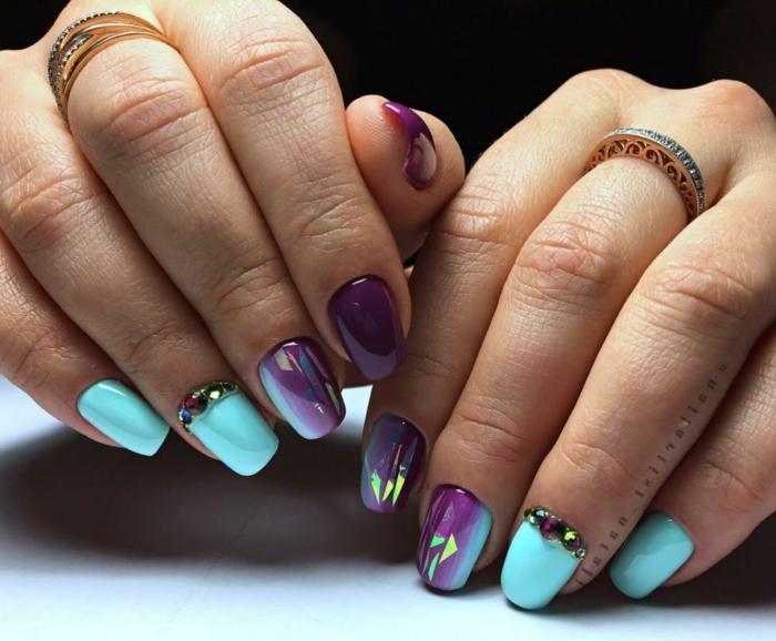 fotos de uñas de gel en colores vibrantes, decoración de uñas en colores neón, uñas decoradas con piedras brillantes
