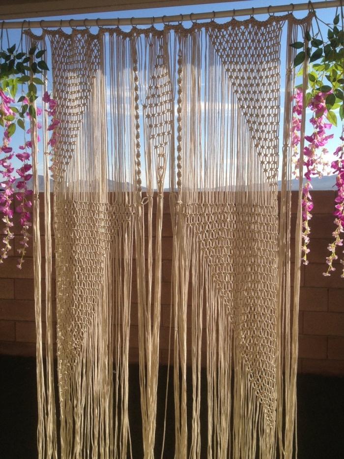 cortina macrame bonita para decorar la terraza, fotos de decoración con objetos DIY originales, ideas de manualidades macrame