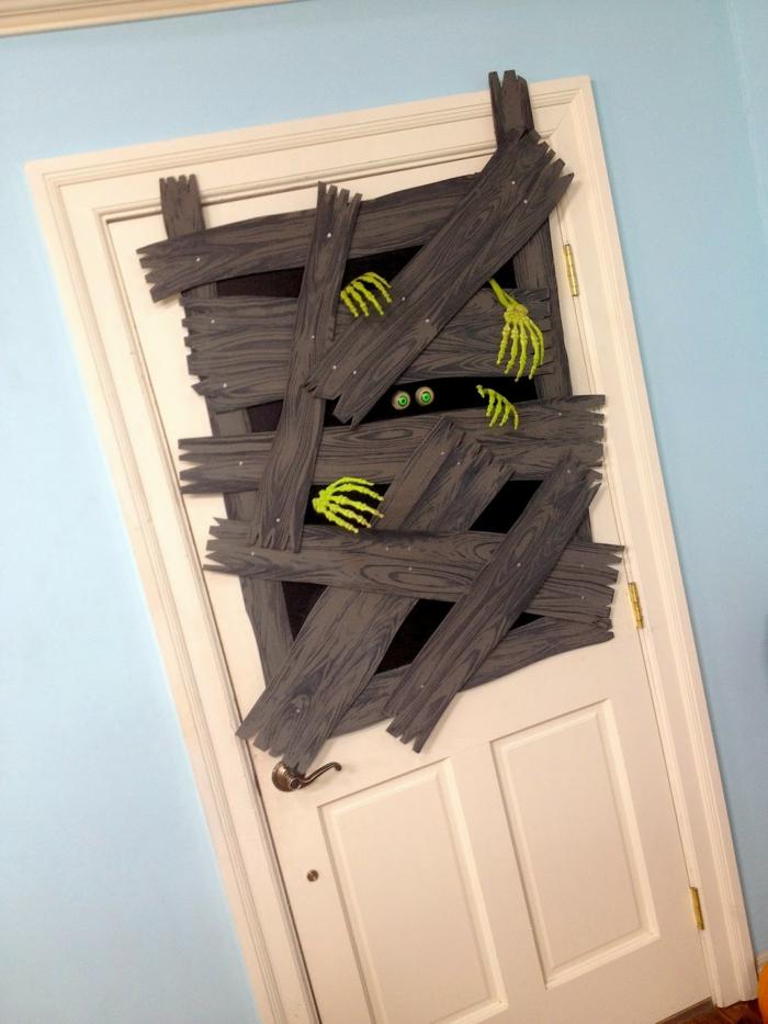 super divertidas ideas de puertas decoradas de halloween, más de 100 imágenes inspiradoras de decoración halloween