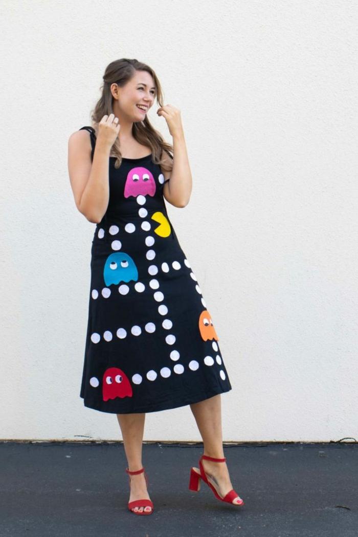 colorida idea de disfrace Halloween paso a paso, disfraces originales para halloween, terorrificas ideas para disfrace halloween mujer