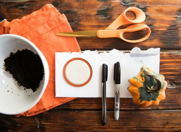 ideas para decorar tu casa en Halloween con materiales reciclados, decoracion halloween casera, frascos decorativos Halloween