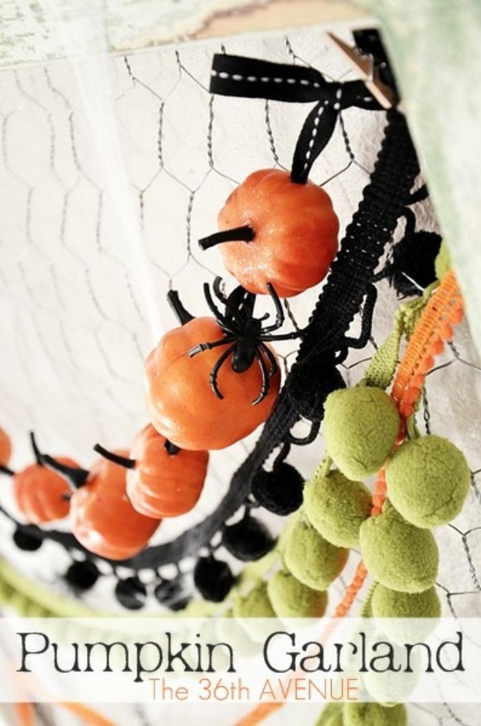 excelentes ideas para decorar la casa en otoño, guirnaldas de fieltro decorativas, decoracion salon en otoño en fotos