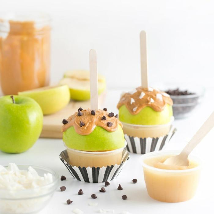 manzanas con manteca de maní, recetas fáciles, saludables y coloridas de aperitivos para sorprender a tus pequeños amigos
