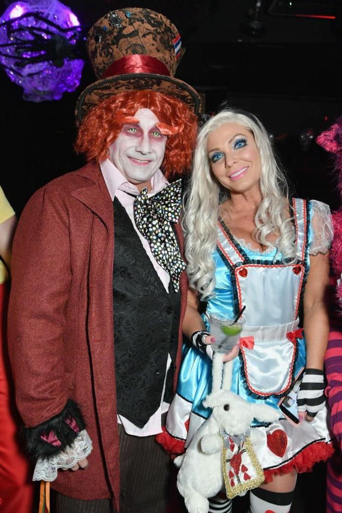 personajes del libro de Alicia en el país de las maravillas, alucinantes ideas de maquillaje y disfraces para Halloween