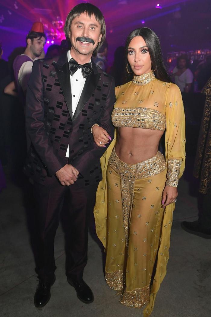 disfraces de halloween originales, ideas de las celebridades, disfrace Kim Kardashian, originales ideas de disfraces 2019