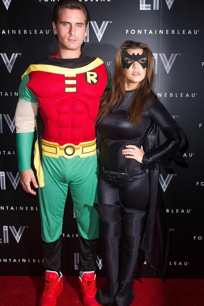 disfrace catwoman y superman, kourtney kardashian disfrace negro, disfraces de halloween originales, fotos de disfraces atractivos