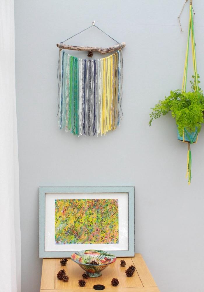 las mejores ideas sobre cómo decorar el salón, pequeños detalles decorativos en bonitas colores, pared pintada en azul