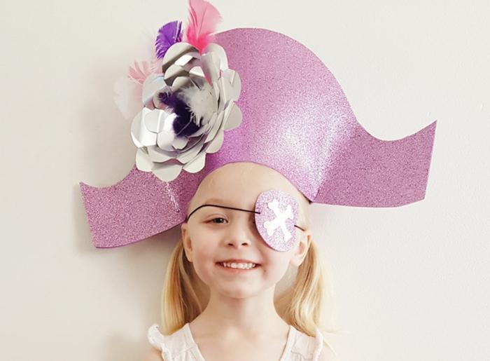 disfraz pirata atractivo, ideas de , disfraces originales mujer y niña, originales ideas de disfraces caseros fáciles y rápidos de hacer