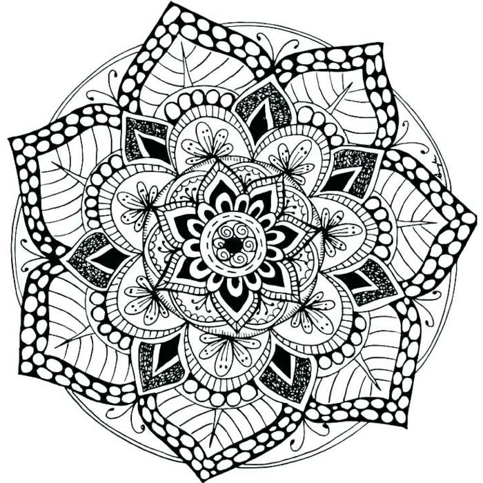 tatuaje mandala bonitos, diseños de tatuajes con mandalas, preciosas propuestas de tatuajes con flores, plantillas de tattoos