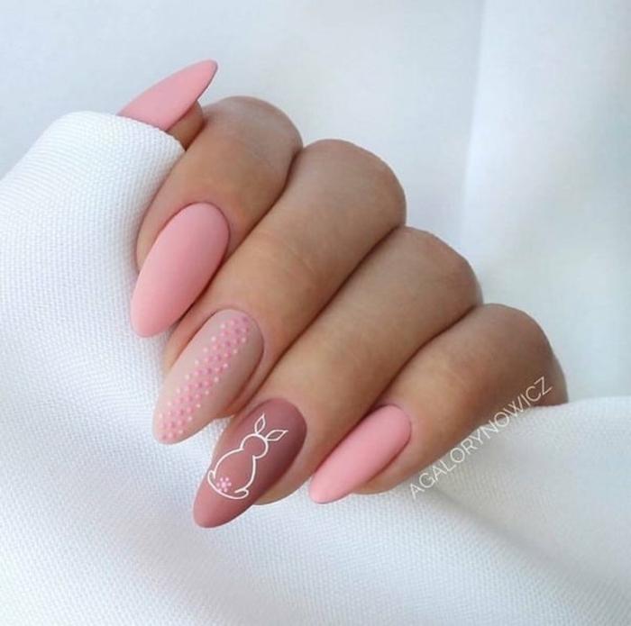 uñas largas almendradas pintadas en rosado y beige, uñas rosa palo en fotos, diseños y decoraciones de uñas en fotos