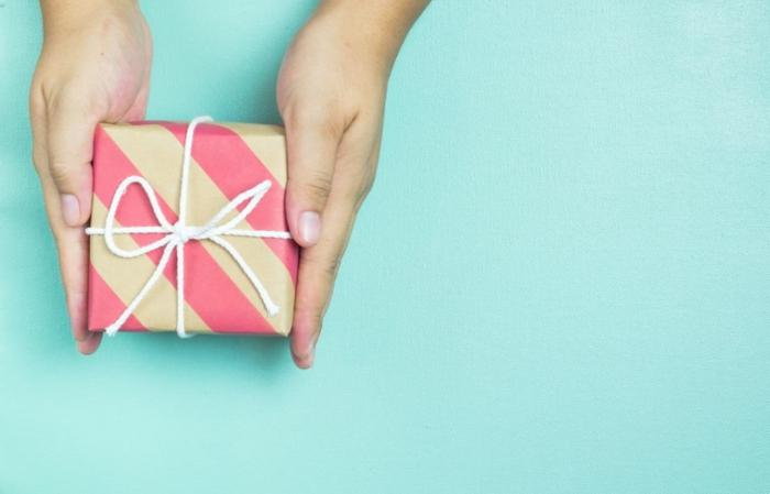 fantásticas ideas de regalos para suegras originales, como sorprender a tu pareja, pequeños regalos emotivos y originales