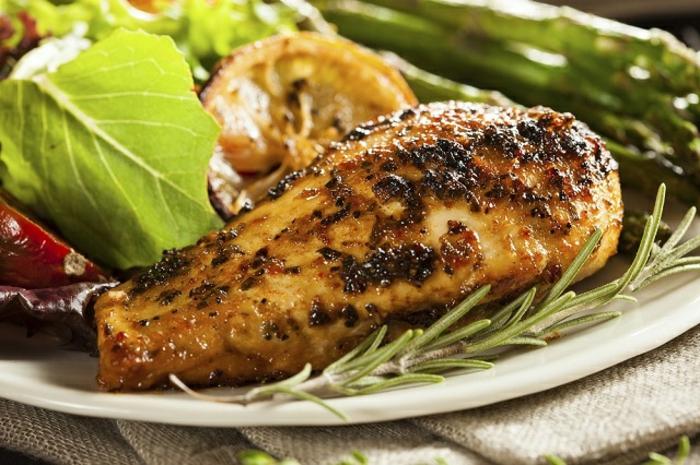 recetas faciles y rapidas para comer, pollo al horno con especias y romero, ideas de comidas para preparar en casa