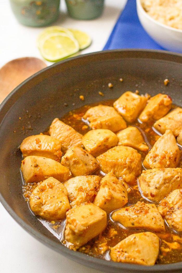 cenas rapidas con pollo, pollo frito con arroz, ideas de recetas fáciles y rápidas en sarten, fotos de comidas