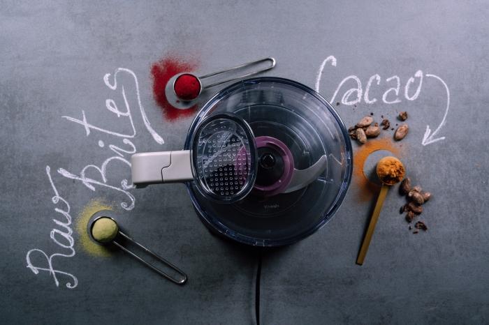 como hacer bocados energéticos con almendras en un procesador de alimentos, receta de trufas en fotos paso a paso