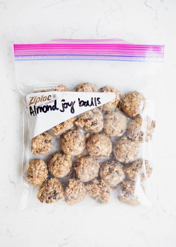 bolas proteicas con almendras, las mejores ideas de alternativas saludables de los postres tradicionales con azucar