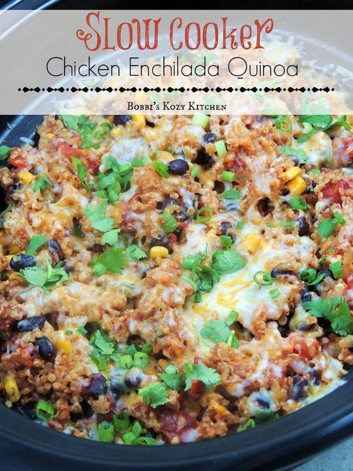 enchilada con quinoa con carne picada, frijoles, maíz, perejil, cebollín, ideas de cenas rapidas para toda la familia