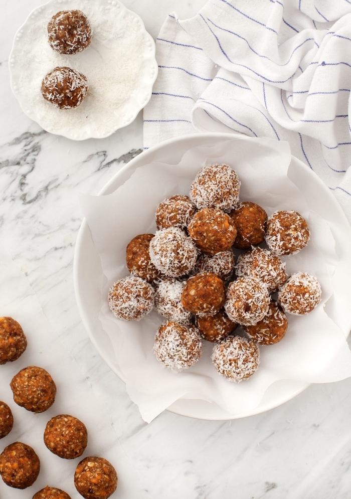 recetas de bolas protéicas con ingredientes saludables, como hacer trufas de chocolate y alternativas más saludables