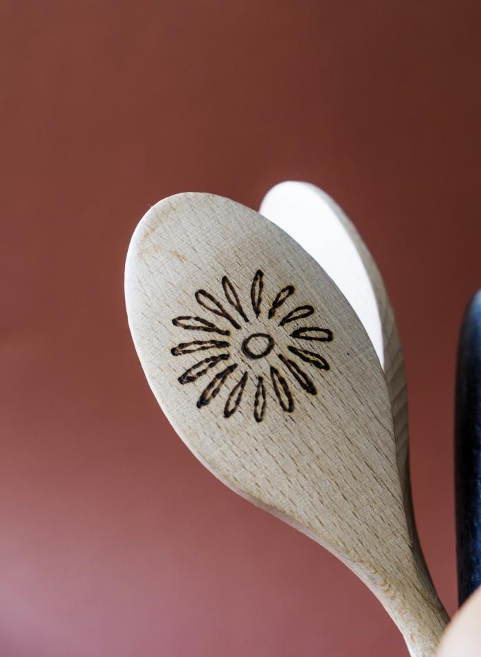 ideas sobre que regalar a tu suegra, como sorprender a tu suegra para su cumpleaños, regalos para cocineros DIY