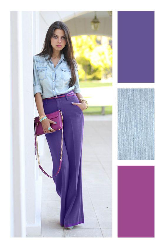 ideas de colores que combinan con morado, paletas de colores que pegan bien, pantalon ancho color púrpura y camisa de denim