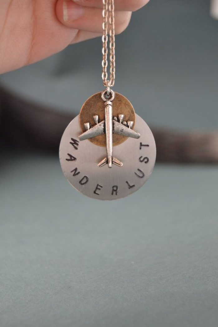 collar para viajeros, regalos originales para amigas, joyas personalizadas para tus amigas que aman los viajes