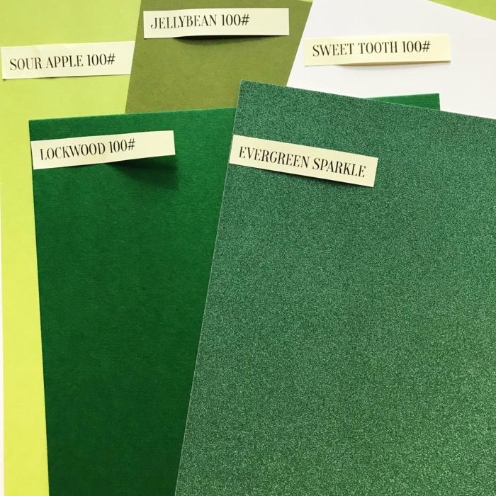 hojas de fieltro en diferentes colores para hacer manualidades, regalos originales para amigas paso a paso