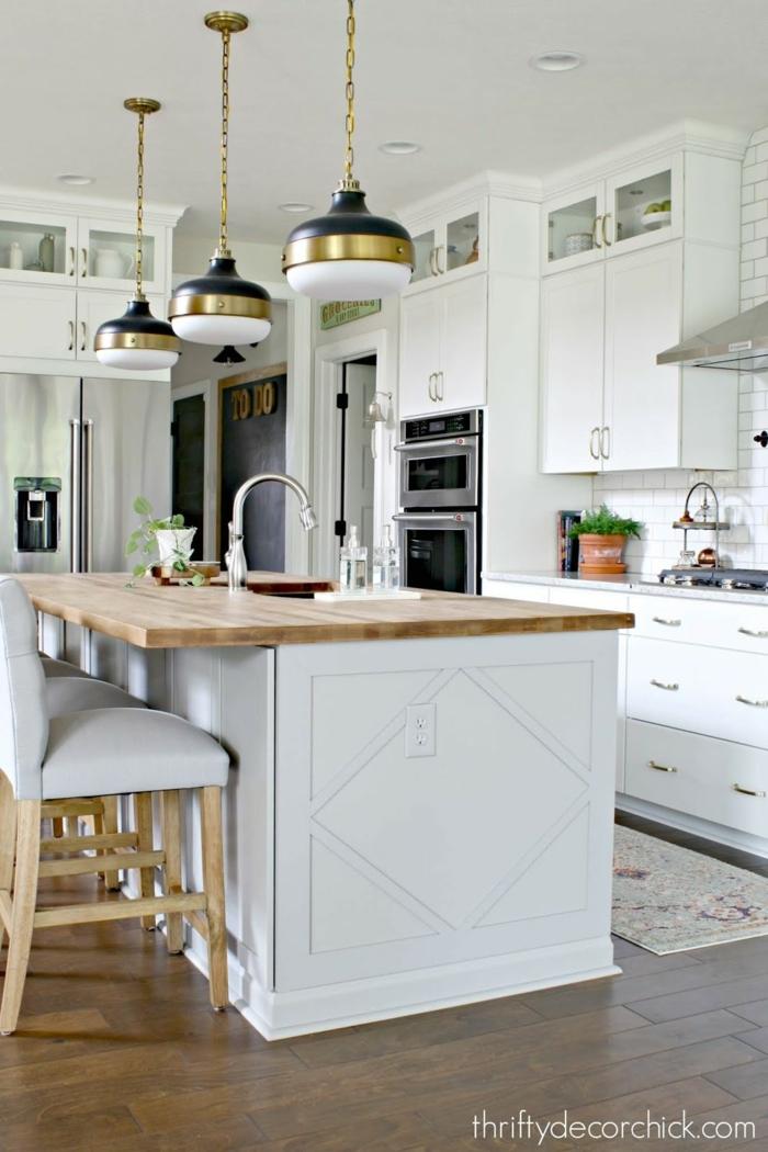 combinaciones de colores para una cocina, cocinas blancas con grande barra, ideas de tendencias cocinas completas con peninsula