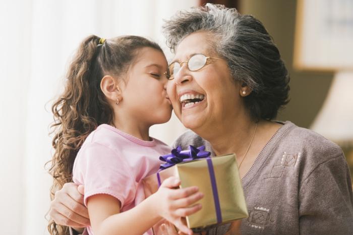 regalos originales para mujeres, fotos de originales DIY, ideas de regalos caseros para toda la familia, abuela y nieta