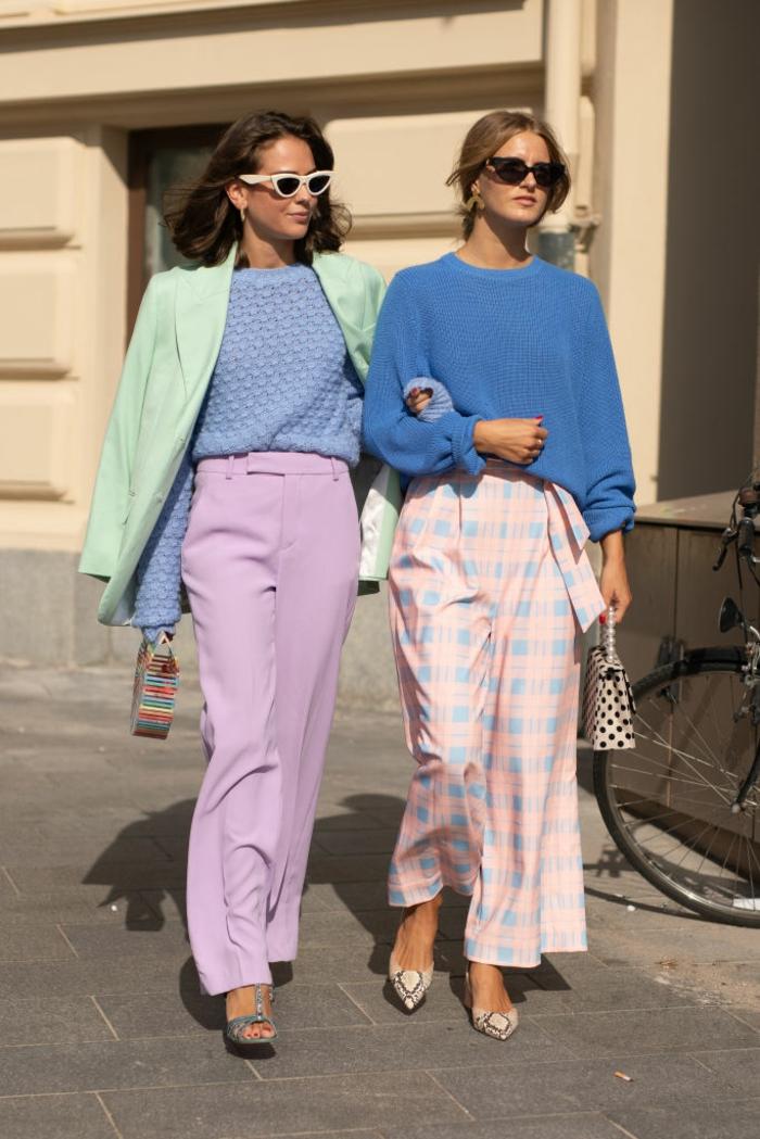 ideas de colores que combinan con azul, outfits modernos con prendas en colores pastel, ideas de prendas en colores pálidos