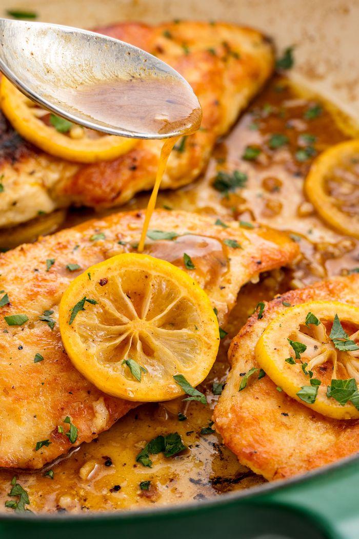 pollo con limón y albahacas, salsa de miel, cenas ligeras y sanas con pechuga de pollo, fotos con recetas detalladas