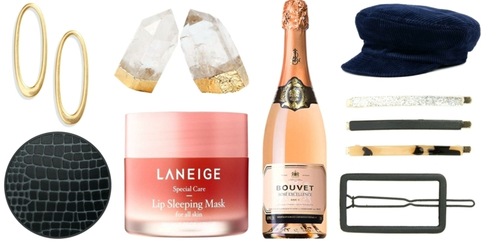 sugerencias de regalos de mujeres, fantásticas ideas sobre que regalar a una suegra, regalos elegantes, joyas y botellas de vino