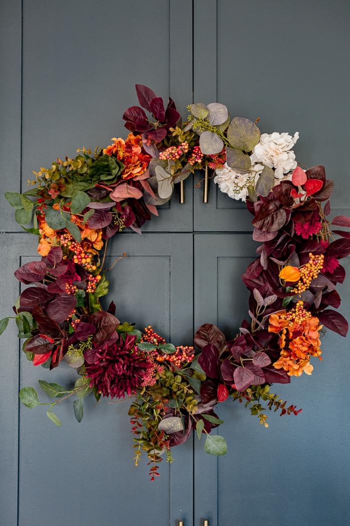 decoración casera fácil de hacer, manualidades para adultos originales, fotos de puertas decoradas en otoño