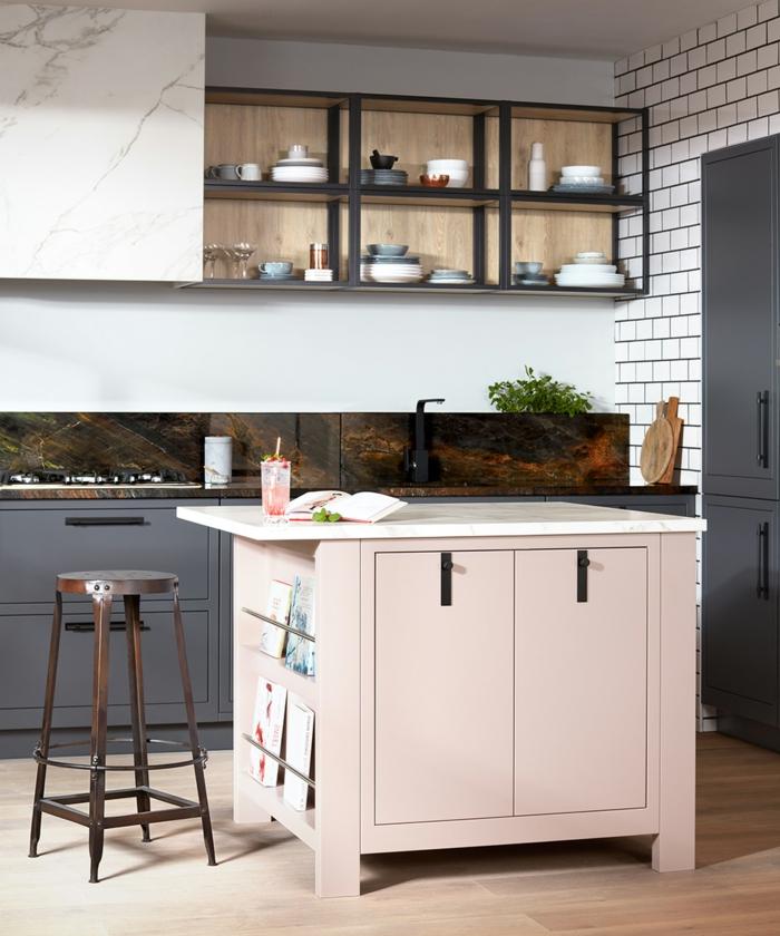 pequeña cocina con barra funcional en el centro, colores para cocinas modernas, barras de cocina modernas y bonitas