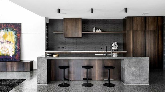 barras de cocina que cumplan más de una función, grande barra con asientos, sillas altas para una cocina abierta al salón