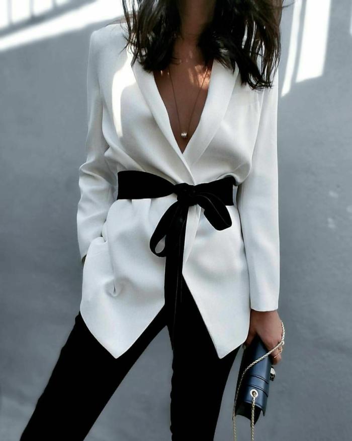 blanco y negro una combinación clásica, combinaciones de ropa tradicionales, chaqueta elegante en color blanco con cinta negra y pantalón negro elegante