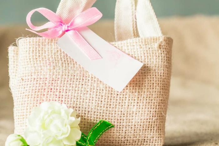 preciosos ejemplos de regalos personalizados originales, regalos originales personalizados para suegras y madres