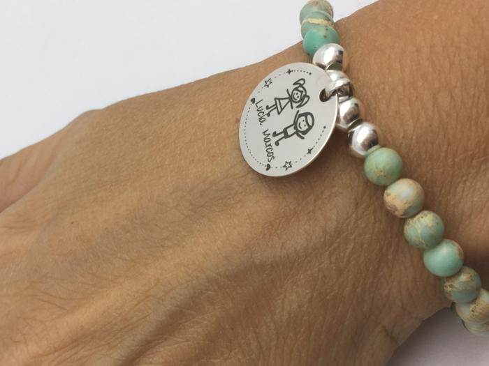 pulsera personalizada para regalar a tu abuela, pulsera con los nombres de los nietos, feliz cumpleaños abuela ideas