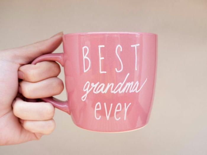taza personalizada para regalar a tu abuela, feliz cumpleaños abuela, ideas de detalles para regalar por el cumple de tu abuela