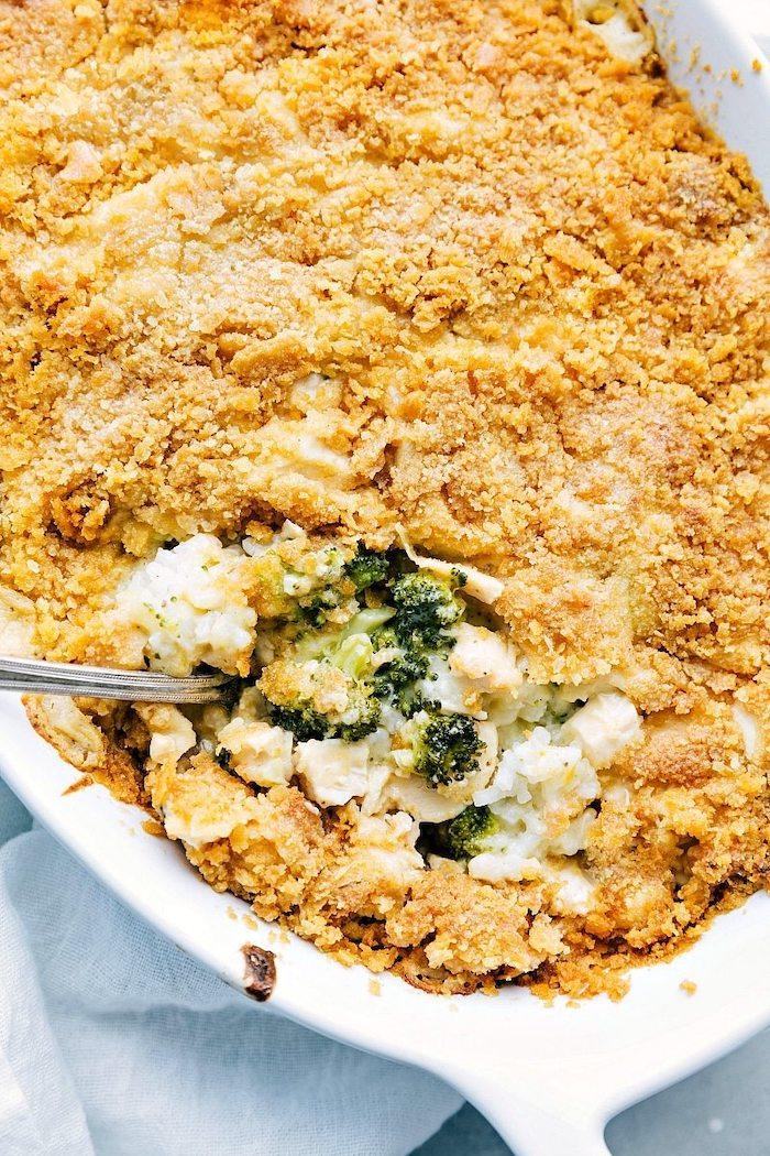 ideas de comidas con brócoli y quesos, ricas propuestas para cenas saludables, caserola con brocoli y cornflakes